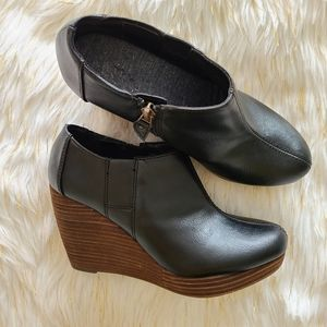 dr. scholls wedge black ankle boots size 7